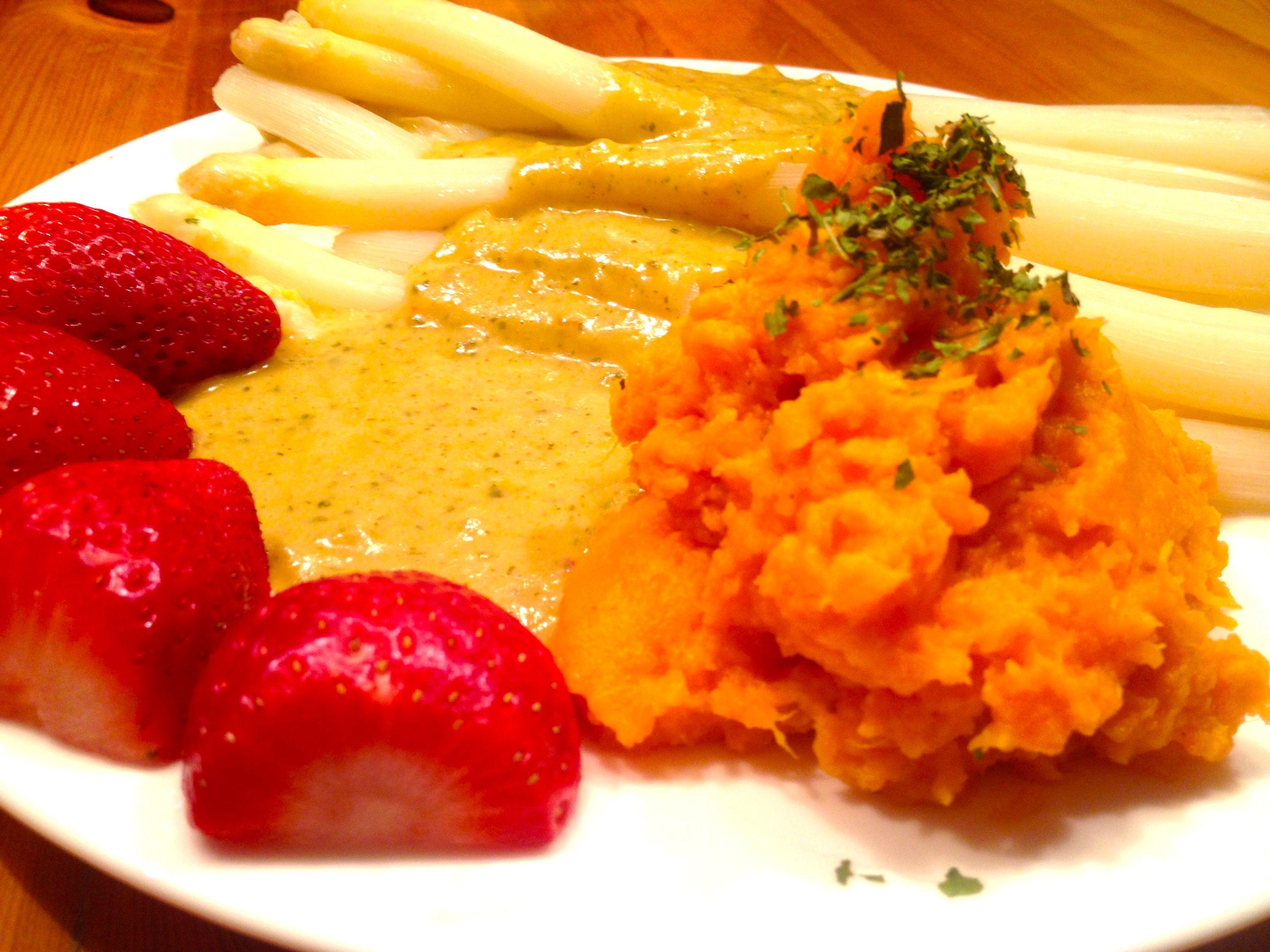 Spargel & Süßkartoffelpüree helle Soße Paleo&Vegan